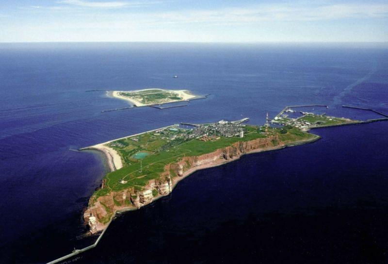Düne Island
