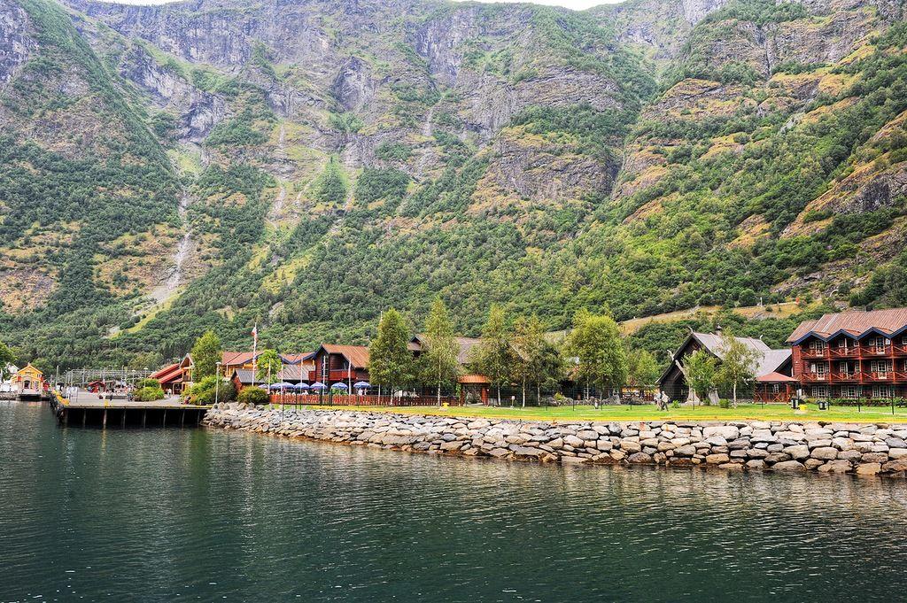 Faroe Islands OY/LA8FOA OY/LA6RHA DX News