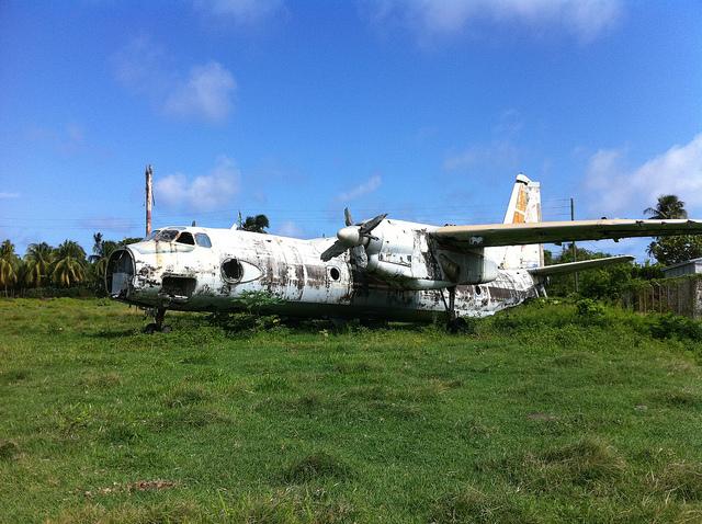 Остров Гренада J38A J37RO Кубинский самолет После вторжения США