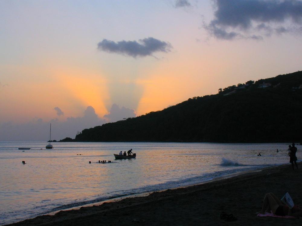 Guadeloupe Island FG/F1DUZ DX News
