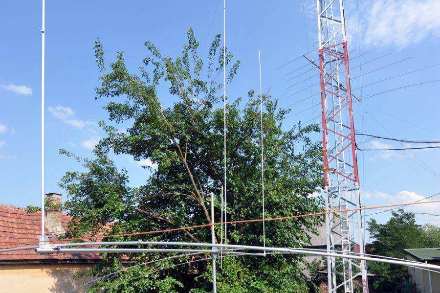 Hungary HA7RY Garden Beam antennas