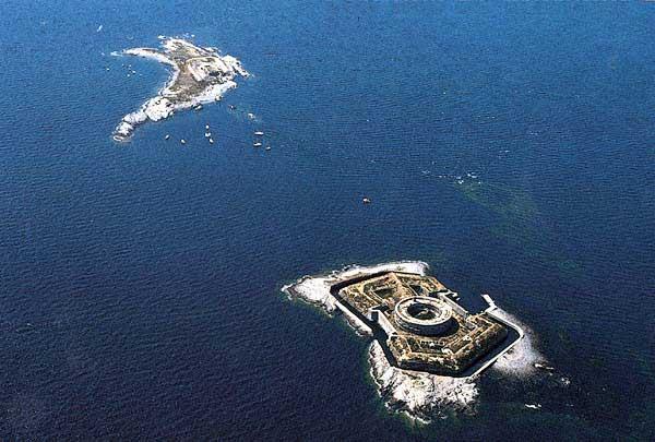 Остров Ile du Large Архипелаг Saint Marcouf TM5SM