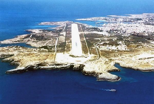 Lampedusa Island IG9D