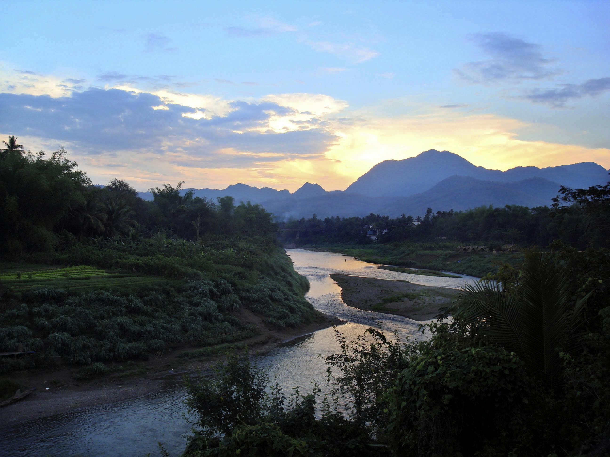 Laos DX News XW1B