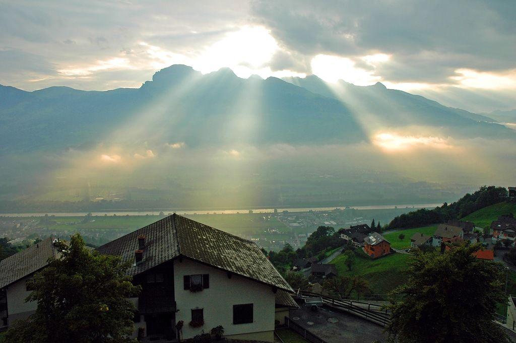 Liechtenstein HB0DRK HB0YRK