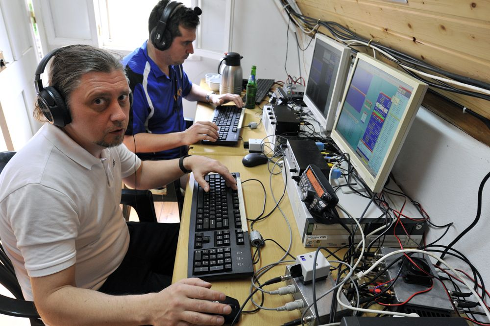 One band, two radios, two operators. Ruslan, UA9ONJ and Jan, DL7JV (closer camera) during the CQ WW CW Contest.