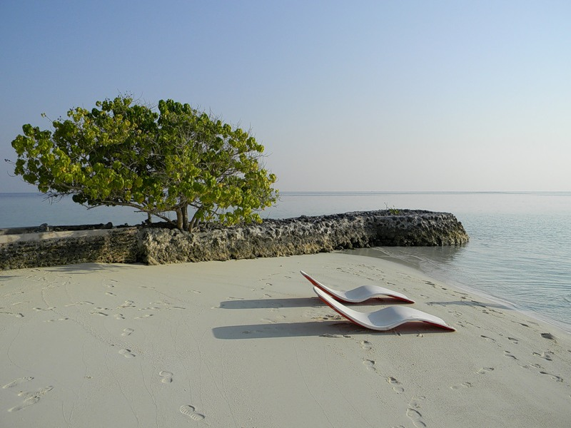 Maldive Islands 8Q7NK 8Q7IC 8Q7TE 8Q7CJ DX News