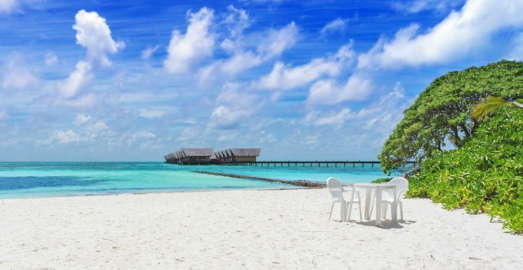 Maldive Islands 8Q7BM DX News