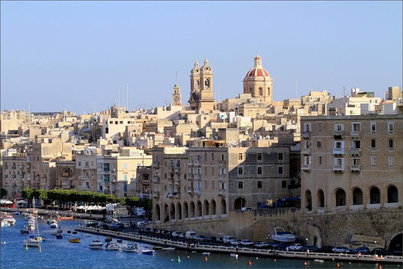 Malta 9H3AT