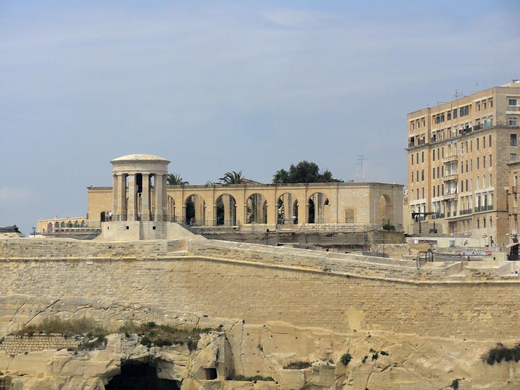 Malta 9H3N DX News