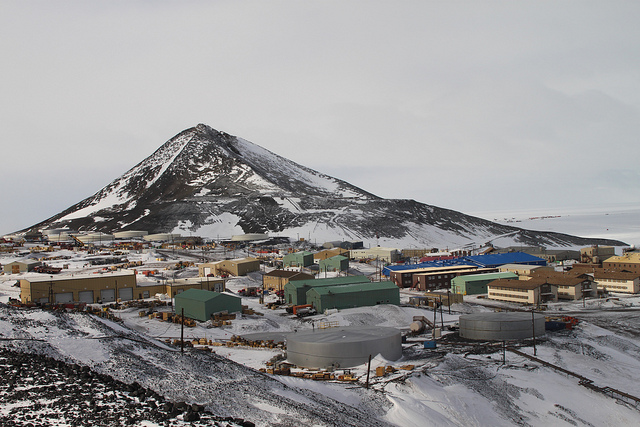 McMurdo station Antarctica KC4USV DX News