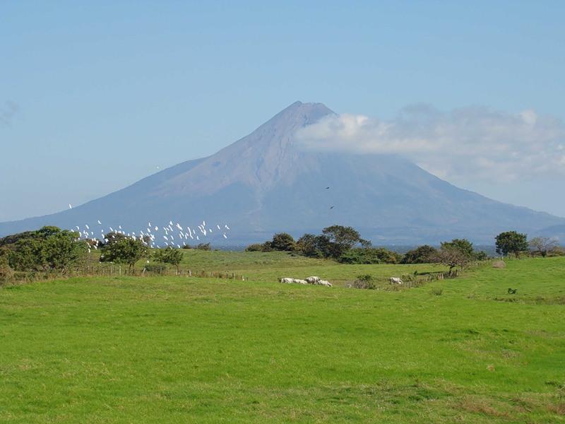 Nicaragua YN/IK2PFL DX News