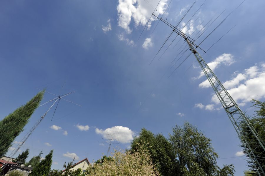 Poland SP6T Antennas