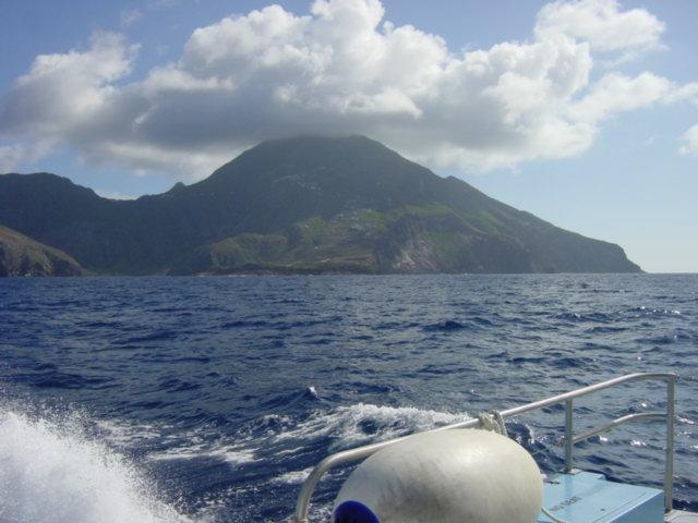Saba Island DX News PJ6/G4IUF