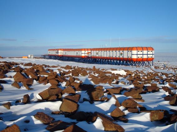 Sanae Base Antarctica ZS7V ZS7HPM