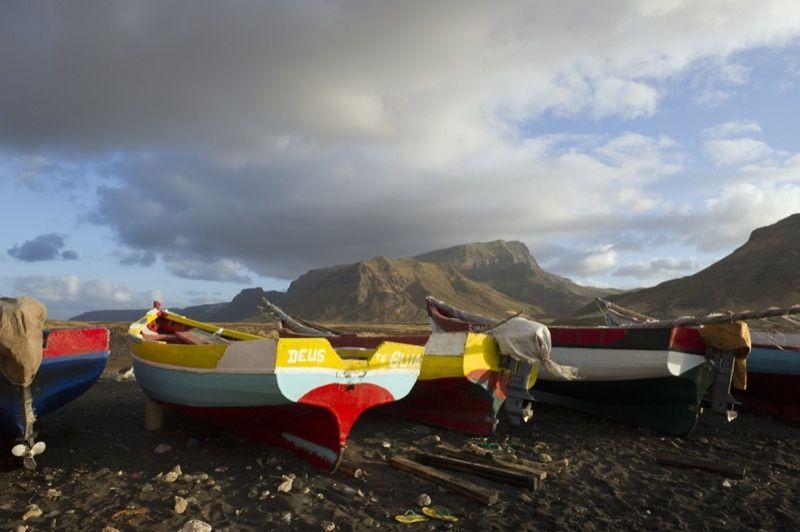 Остров Сан Висенти Кабо Верде D44TUE