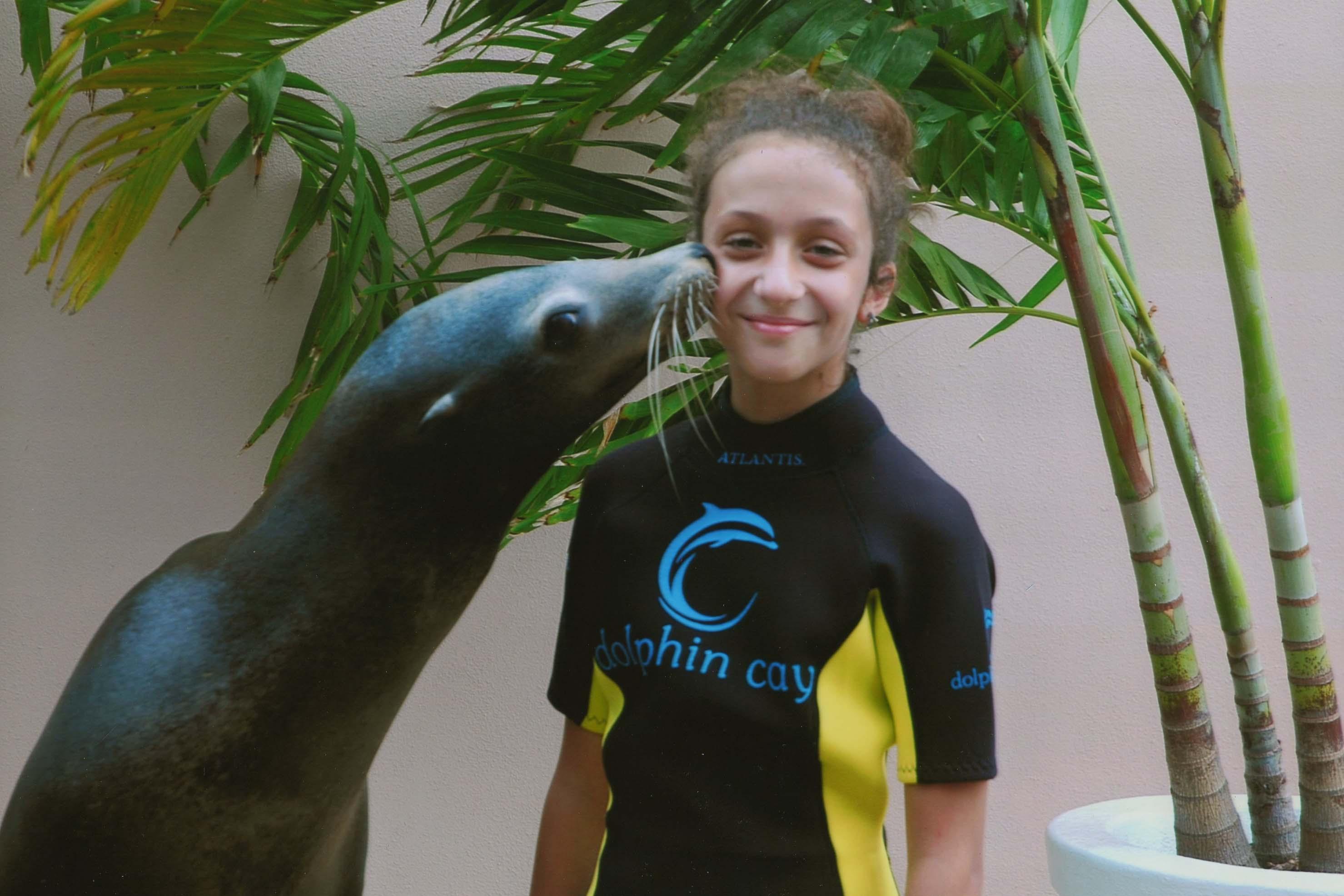 Sea Lion Kiss Hotel Atlantis Bahamas Paradise Island Maria Teimurazova