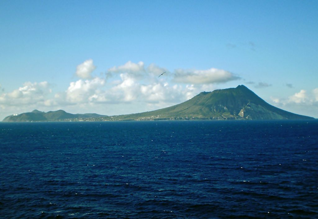 PJ5/K6NAO Sint Eustatius Island DX News