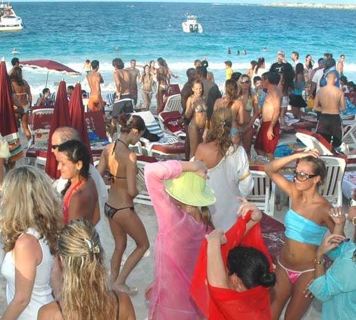 Sint Maarten Island DX News