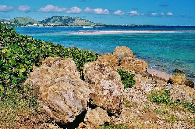 Sint Maarten Island PJ7W DX News