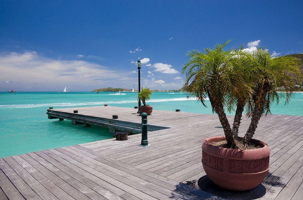 Sint Maarten PJ7RV
