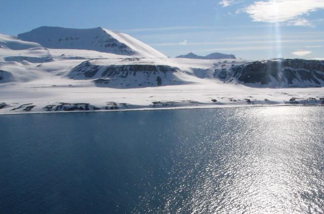 Svalbard Islands JW2XNA JW8HGA