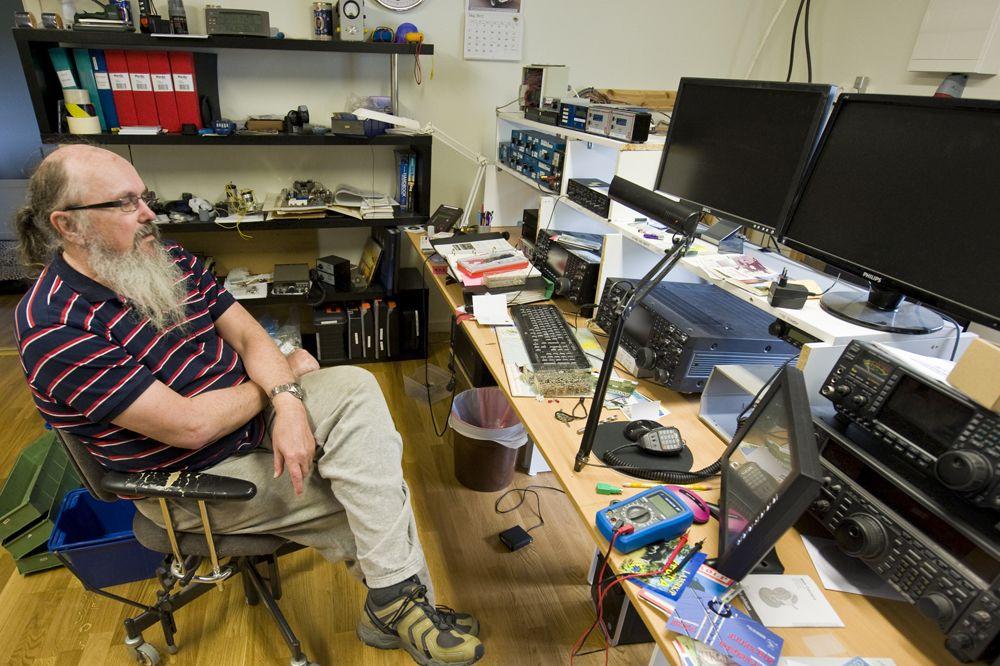 Райнер, SM2DMU, на своей станции. Но он работает в эфире нечасто.