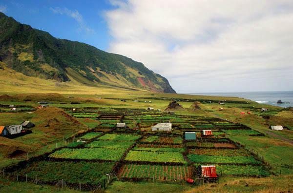 Tristan da Cunha Island ZD9UW DX News