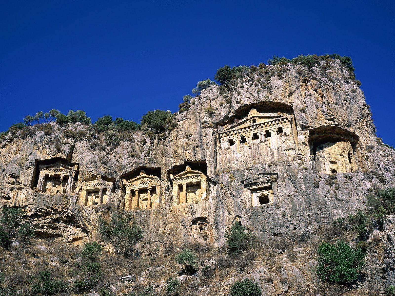 Turkey TA4/ON6ZK Tourist Attractions DX News
