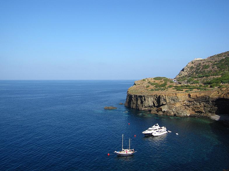 Ustica Island IE9/IK6JRI