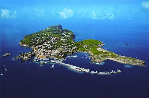 Остров Вентотене IB0/IZ0IUM Остров Отчаянья Спасительный берег