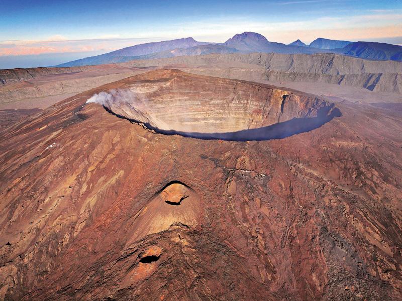 Volcano Furnace Reunion Island TO1PF DX News