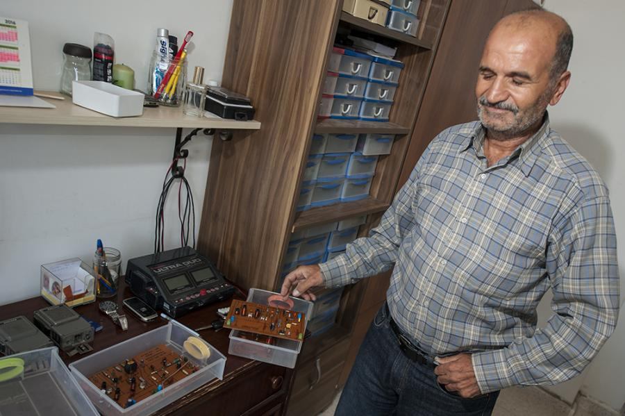 Ismail, 1B1AH, has built a number of receivers and low-power transmitters.
