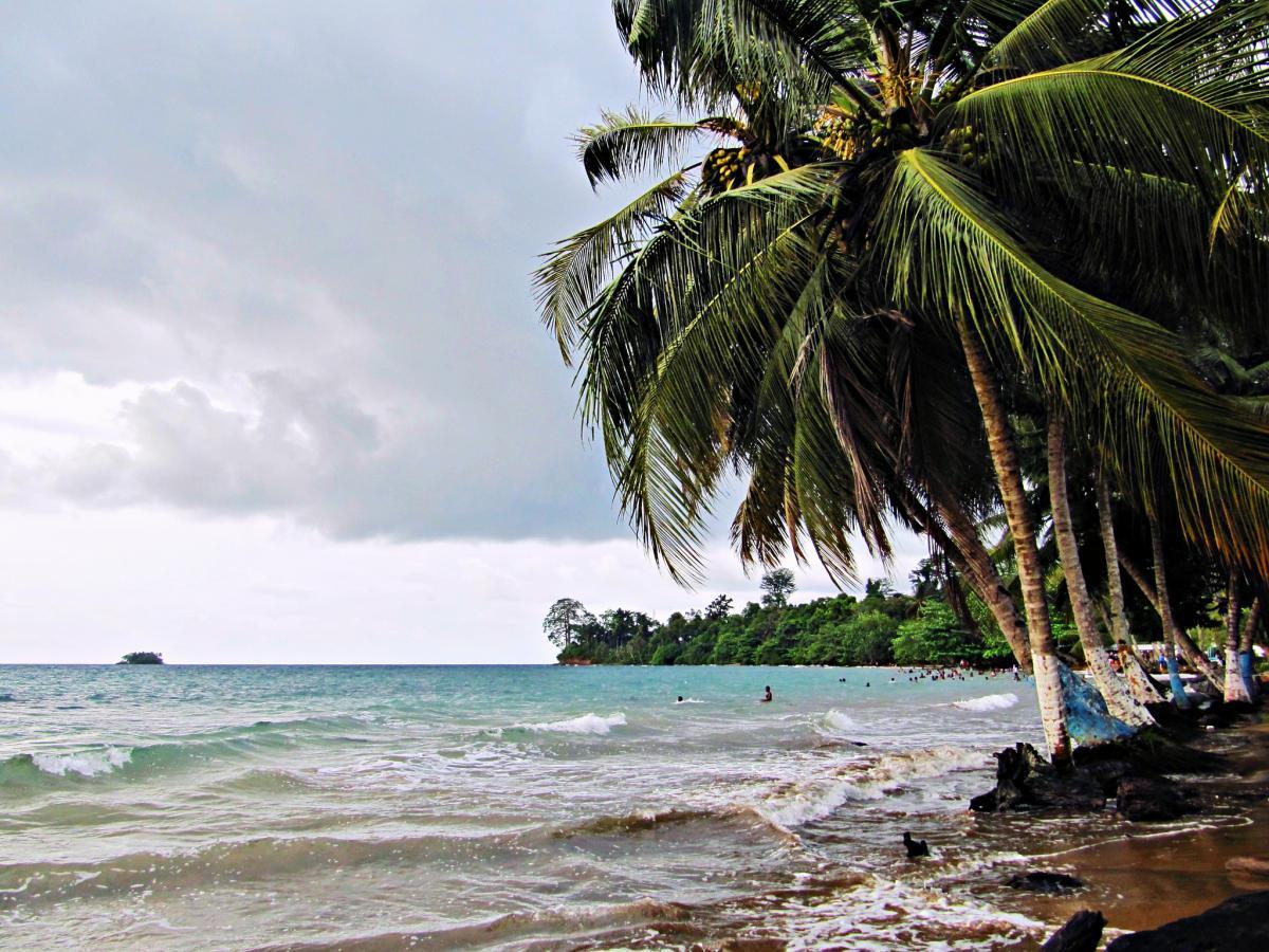 3C1L Экваториальная Гвинея Аренас Бланкас Остров Биоко