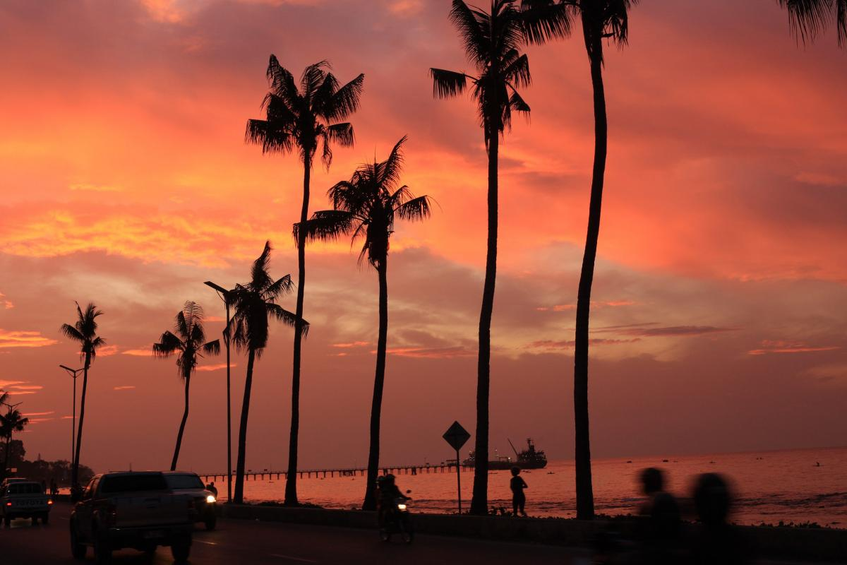 4W6VA Sunset, Avenida de Portugal, Dili, Timor Leste.