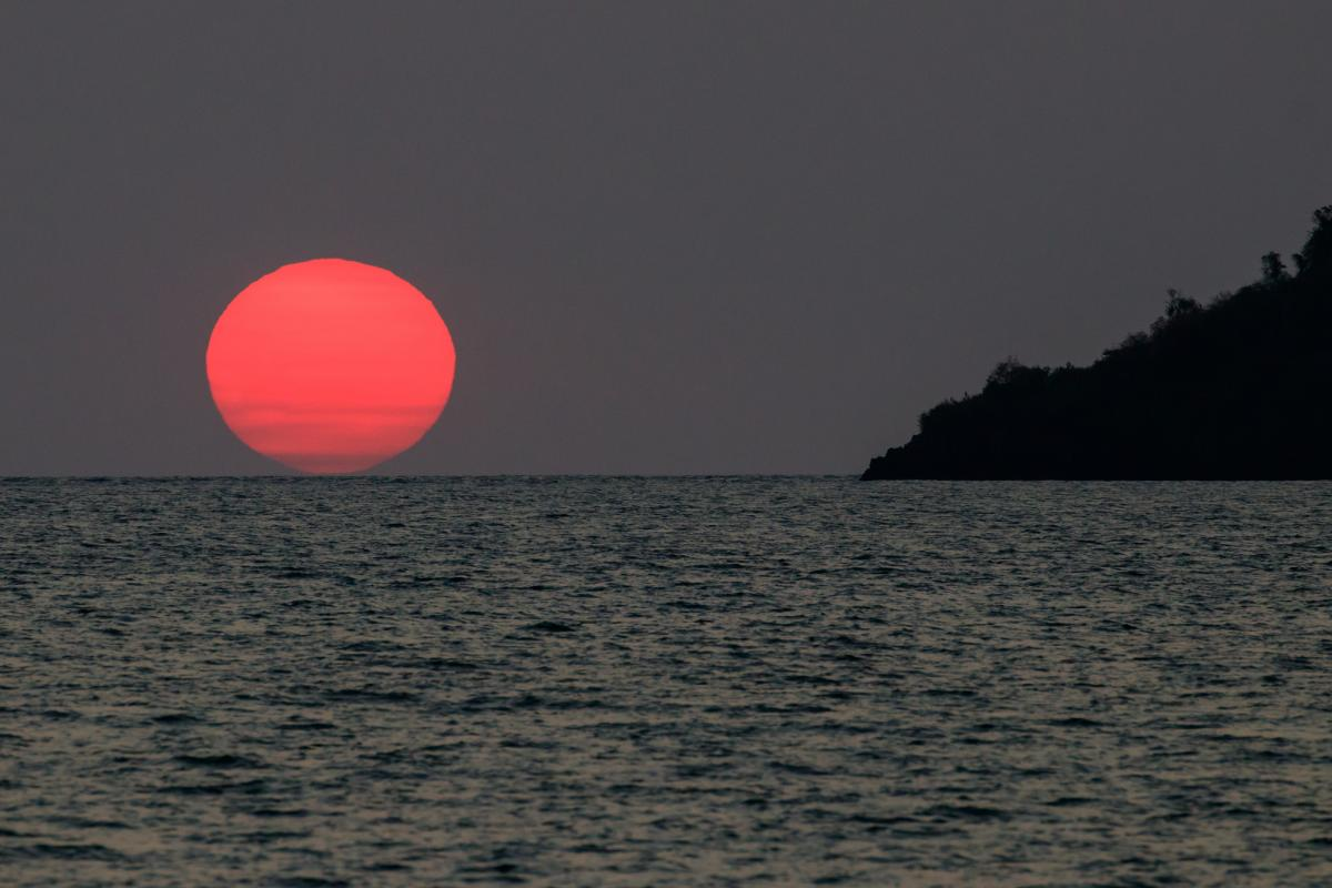 5R8PX Sunset, Nosy Be Island, Madagascar DX News