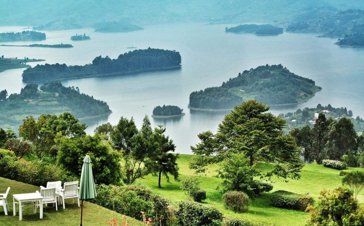 5X1NH Tourist attractions spot Lake Bunyonyi, Uganda