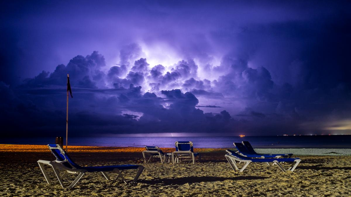 6E5RM 6E5RM/XF3 Thunderstorm, Cozumel Island, Mexico. Rally Maya Mexico  2018. Tourist attractions spot