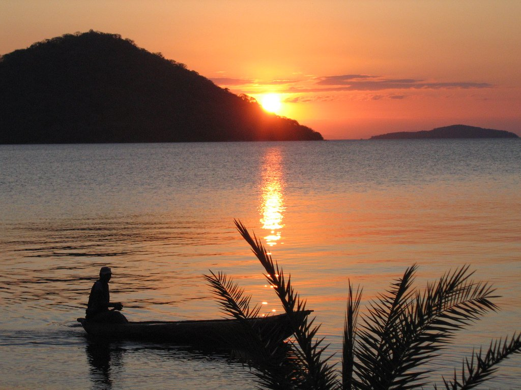 7Q7JW Sunrise, Fishermen, Bweteka, Nkhata Bay, Malawi. Tourist attractions spot
