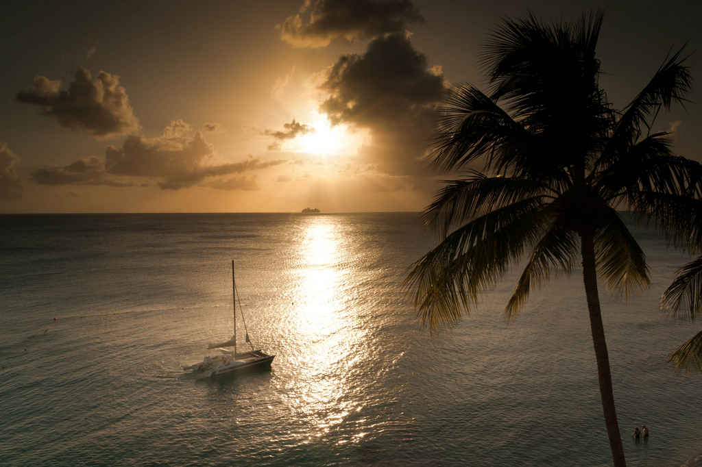 8P9DA Sunset, Holetown, Saint James, Barbados.