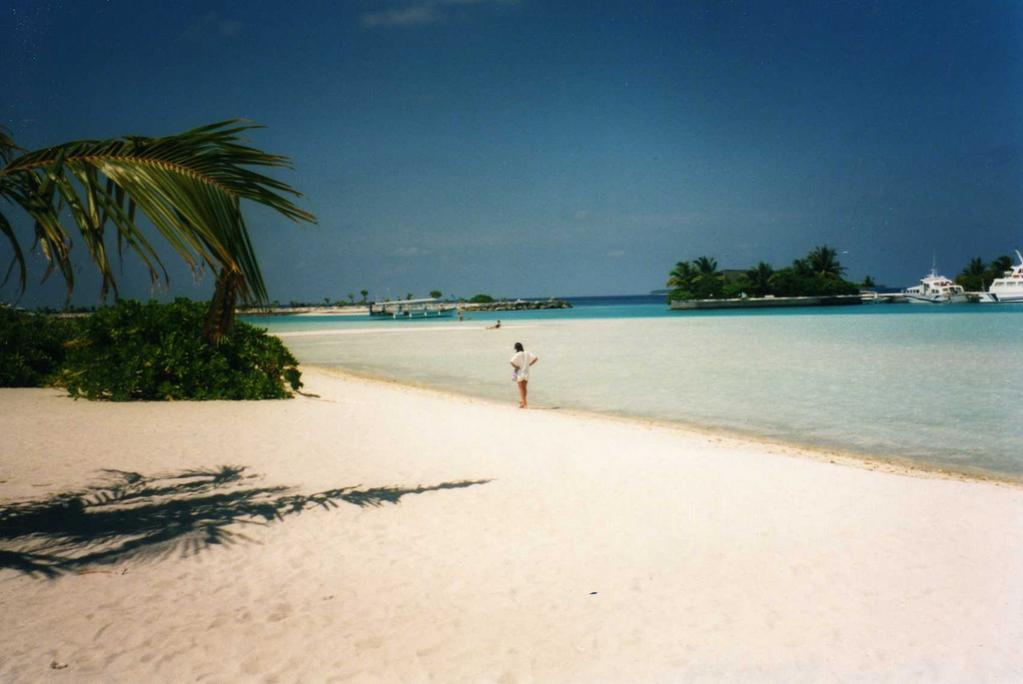 8Q7DM Lankanfinolhu Island, Maldives