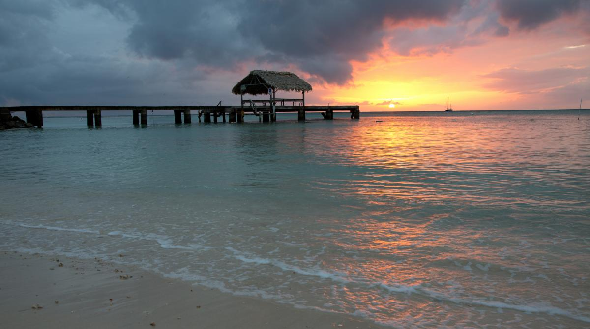9Y4/UA4CC 9Y4/LY2IJ Sunset, Pigeon Point, Tobago Island. Tourist attractions spot