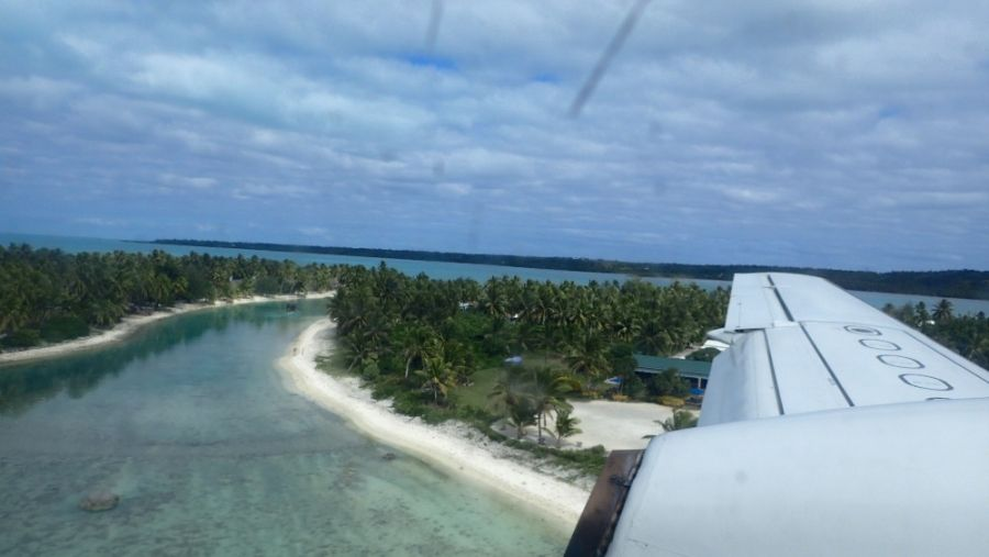 Остров Аитутаки E51DWC С воздуха Ближний вид