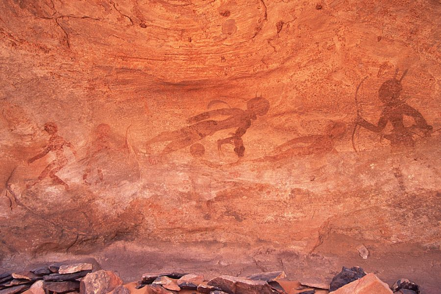 Algeria 7U9C DX News Rock paintings at Sefar, on the Tassili Plateau.