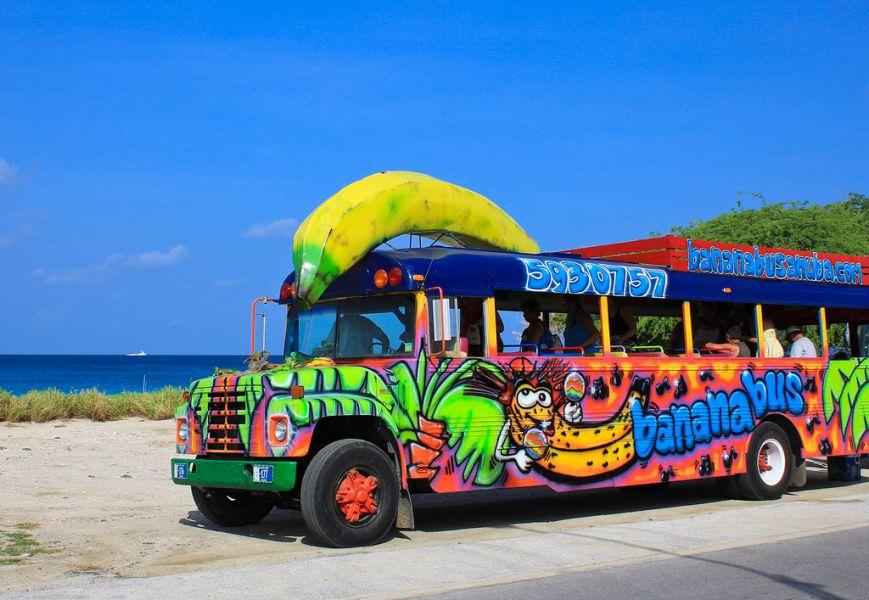 Aruba P40FA Banana bus.