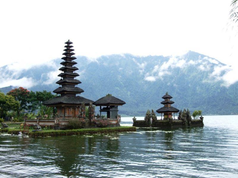 YB9/F5LIT Bali Island