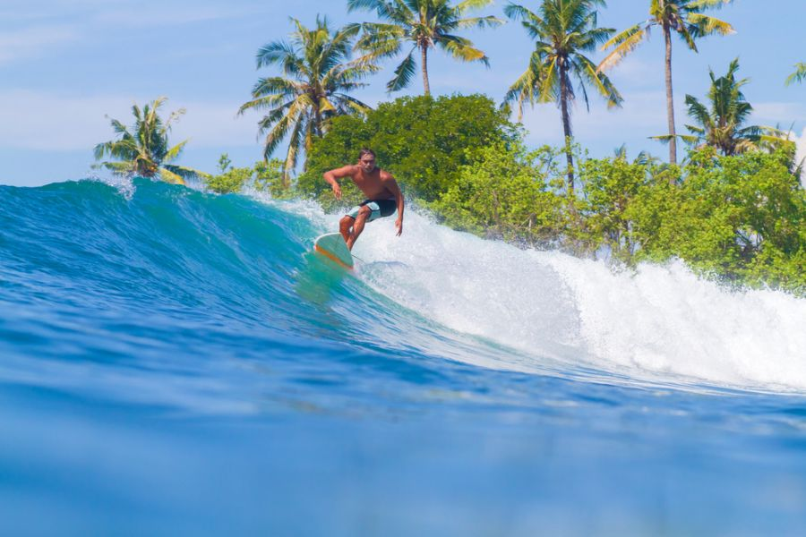 Bali Island YB9/K7BV Picture of Surfing a Wave.
