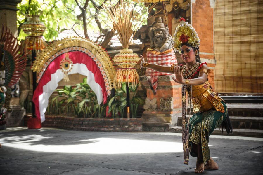 Bali Island YB9/PB5X The Barong and Keris Dance at Batubulan Village.