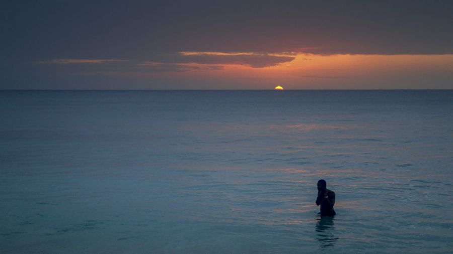 Barbados 8P1W Tourist attractions spot Sunset at Paynes Bay.