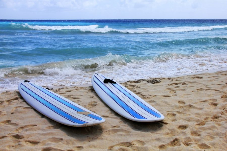 Barbados 8P9AL Tourist attractions spot Surfboards at Dover beach